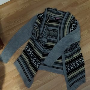SAYWHAT? Gray patterned cardigan/pullover